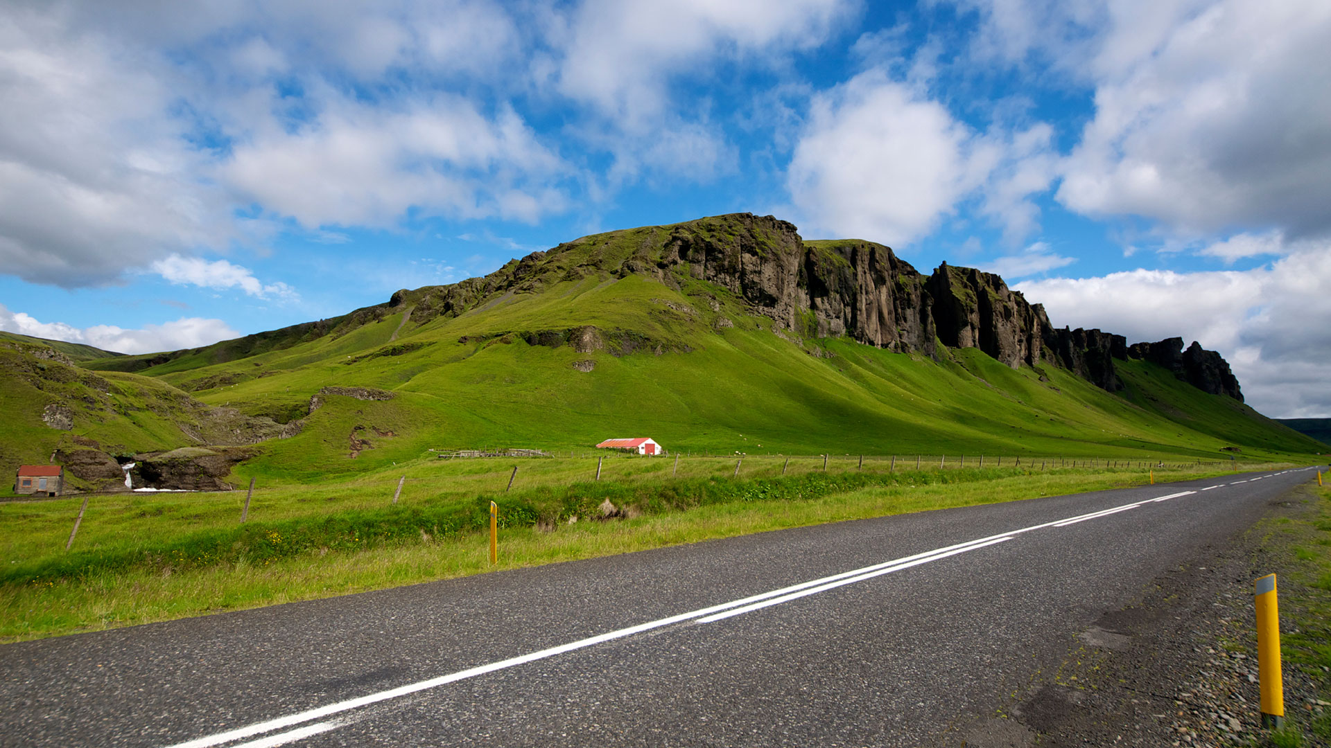 road-south-summer-iceland 2